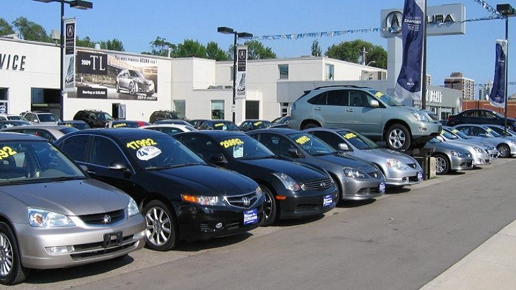 Benefits and Perils of Purchasing a Used Vehicle